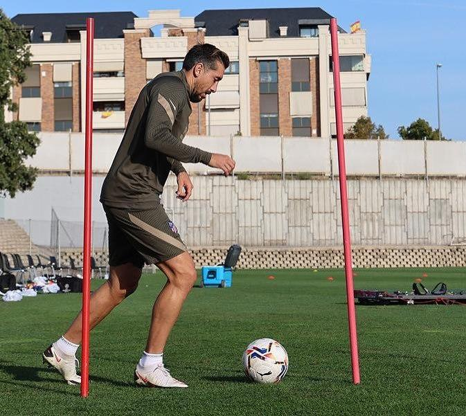 Hector Herrera in soccer training